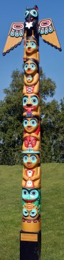 fison-david_christmas-totem-pole
